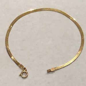 Jewelry - 14k(Italy) yellow gold herringbone bracelet